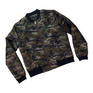 Justify Green Camo Bomber Style Jacket size Medium